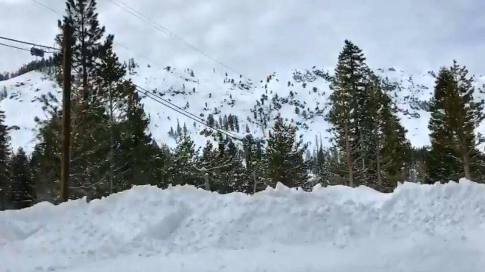 1 tot in der Lawine im Skigebiet