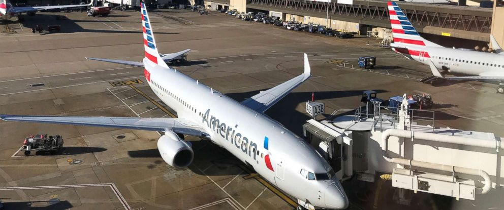 PHOTO: An American Airlines plane sits at the gate at Dallas Fort Worth DFW International Airport Oct. 17, 2017.