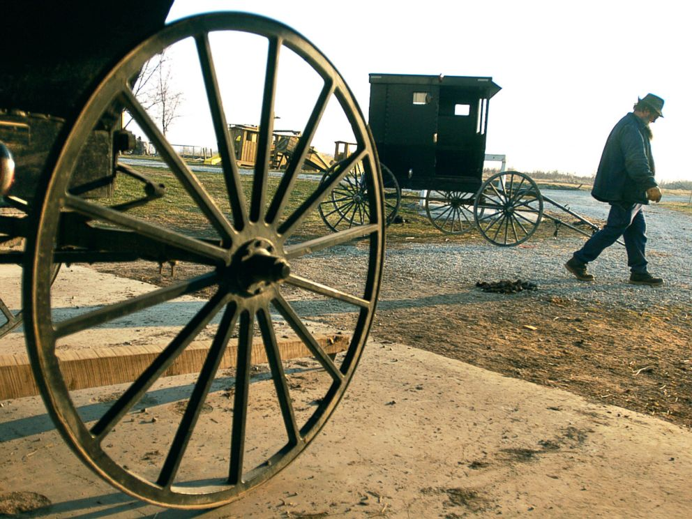 PHOTO: An Amish man who lives just outside of Jamesport, Mo., readies a buggy for travel, March 16, 2005.