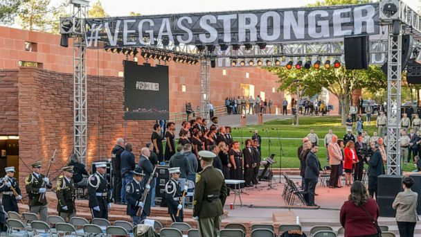 Las Vegas mass shooting survivors get engaged during anniversary remembrance ceremony