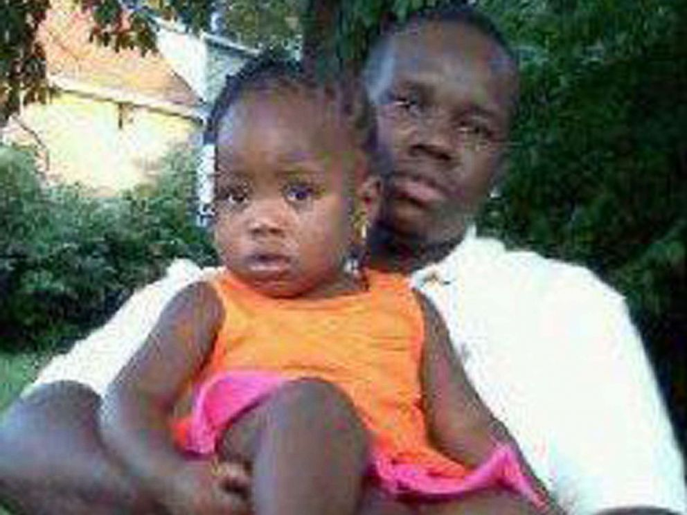 PHOTO: This undated family photo supplied by Christina Wilson shows Anthony Lamar Smith holding his daughter Autumn Smith.