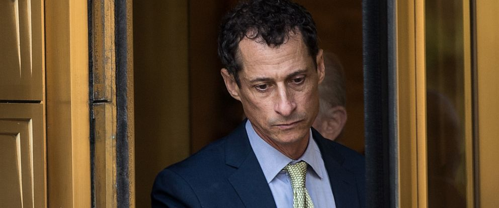 PHOTO: Former Rep. Anthony Weiner leaves Manhattan Federal Court, September 25, 2017 in New York.