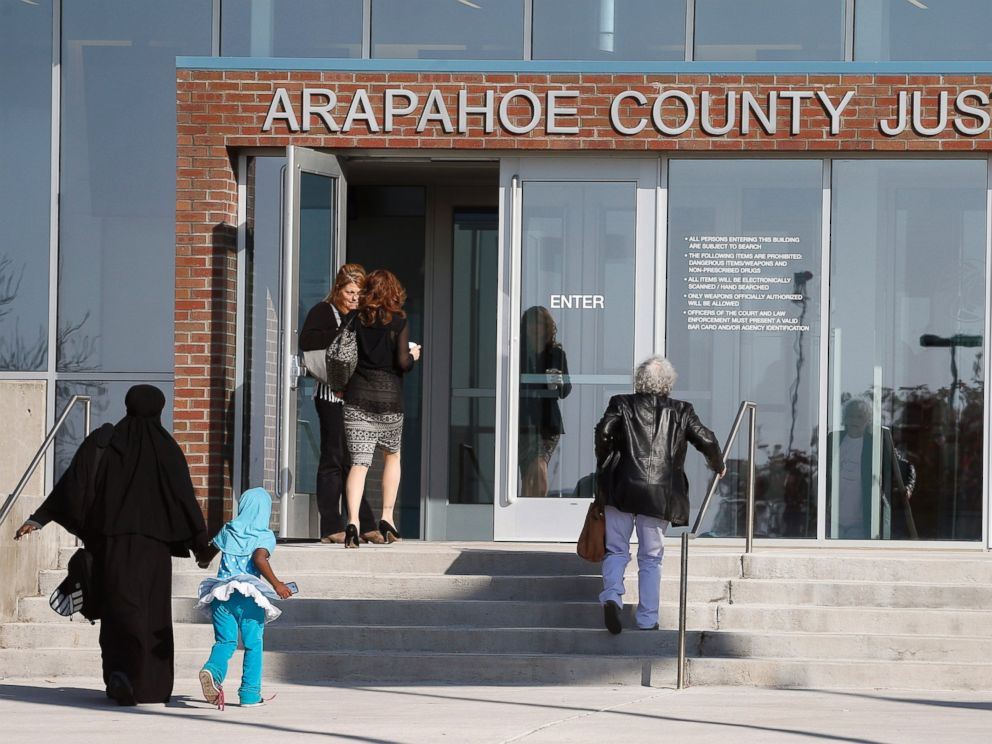 PHOTO: People enter the Arapahoe County Justice Center on the second day of the trial of the Aurora movie theater massacre defendant James Holmes in Centennial, Colo., April 28, 2015.