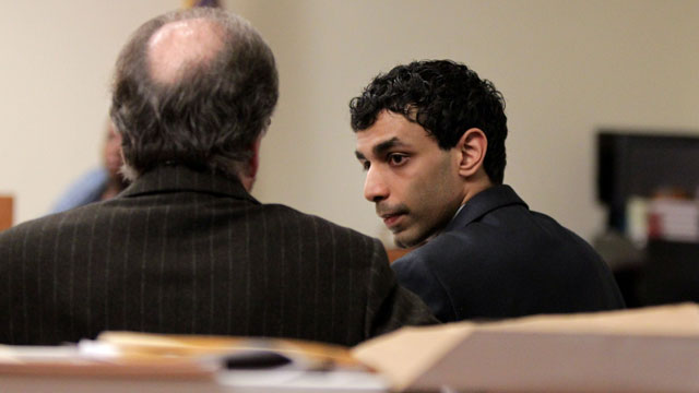PHOTO: Defense attorney Steven Altman talks with Dharun Ravi during a break in his trial at the Middlesex County Courthouse, Feb. 29, 2012 in New Brunswick, N.J.