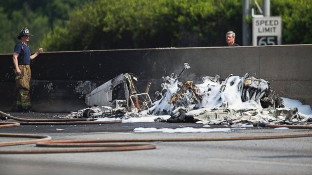 https://s.abcnews.com/images/US/ap_atlanta_plane_crash2_wg_150508jpg_16x9_608.jpg