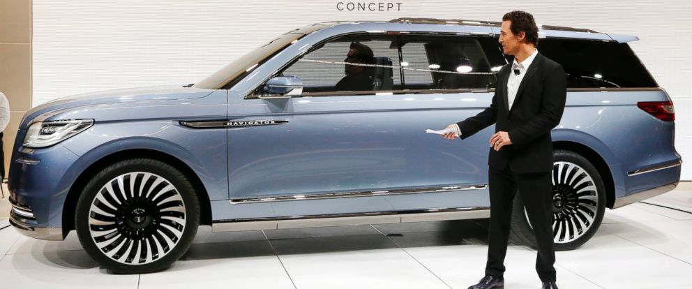 PHOTO: Matthew McConaughey introduces the Lincoln Navigator Concept at the New York International Auto Show, March 23, 2016.