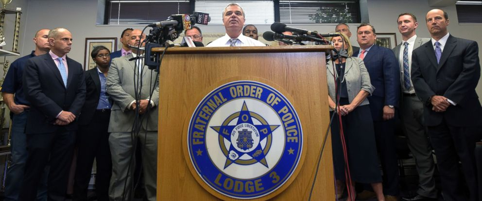 PHOTO: Gene Ryan, center, president of the Baltimore Fraternal Order of Police speaks during a news conference after prosecutors dropped remaining charges against the three Baltimore police officers in Baltimore, July 27, 2016.