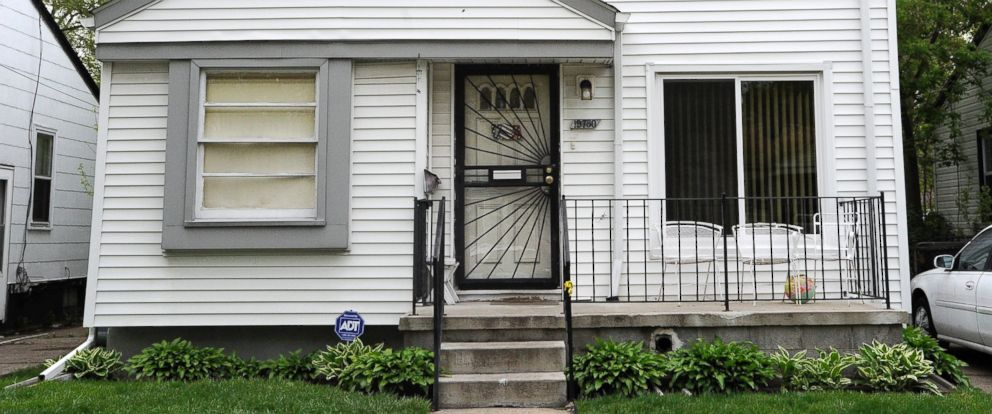 PHOTO: This photo taken Wednesday morning, May 11, 2016, shows the exterior of home in Detroit where Police say a young girl fatally shot herself after finding a handgun under her grandmothers pillow.