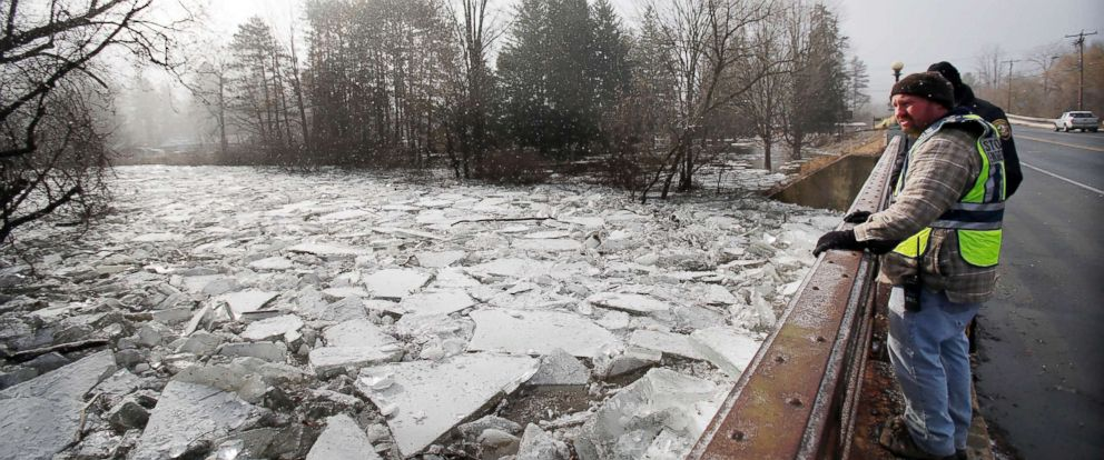 PHOTO: Due to Fridays heavy rainfall, warm temperatures, and subsequent flooding, huge chunks of ice along the Housatonic River broken up and made their way downstream, collecting under Route 7 bridge in Stockbridge, Mass., on Saturday, Jan. 13, 2018.