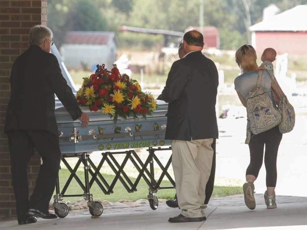 PHOTO: The casket of Jacob Hall arrives for a wake service at Oakdale Baptist Church in Townville, South Carolina, Oct. 4, 2016.