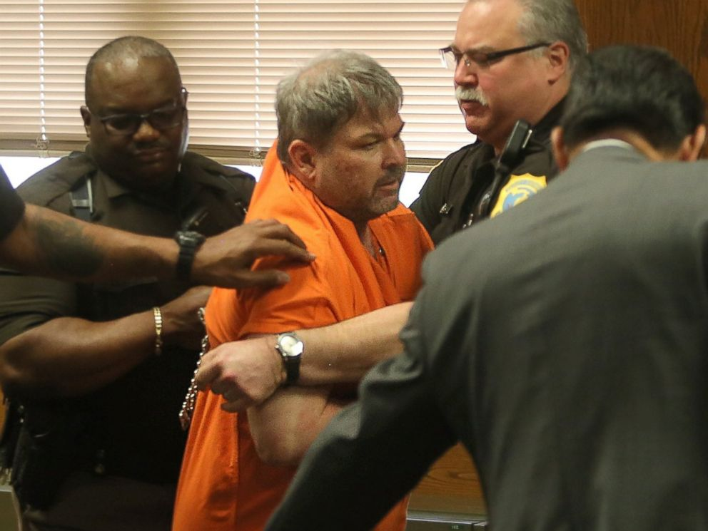 PHOTO: Kalamazoo County Deputies remove Jason Dalton after an outburst during his preliminary examination in district court on Friday, May 20, 2016 in Kalamazoo, Mich.