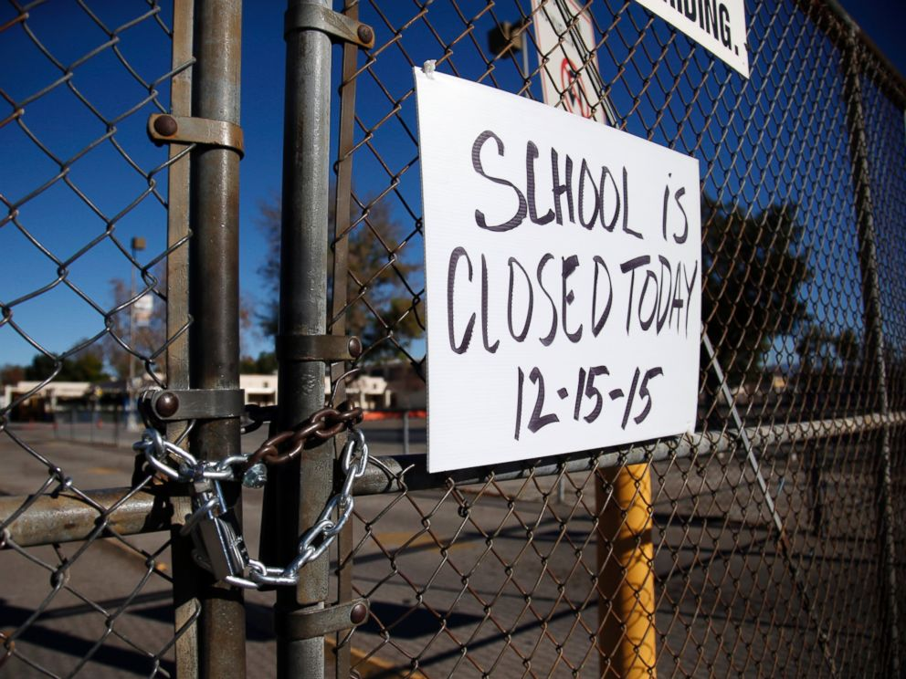 PHOTO: A gate to Birmingham Community Charter High School is locked with a sign stating that school is closed, Dec. 15, 2015, in Van Nuys, Calif.