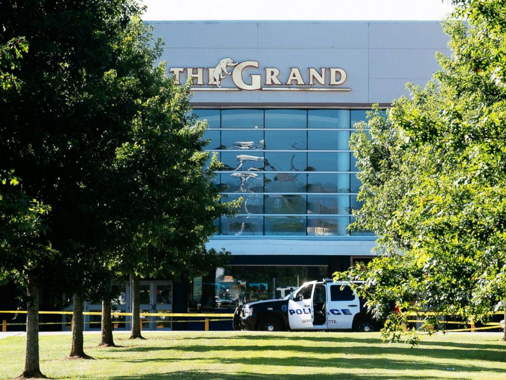 PHOTO: Authorities park at the scene of a shooting at The Grand Theatre, in Lafayette, La. on July 24, 2015.