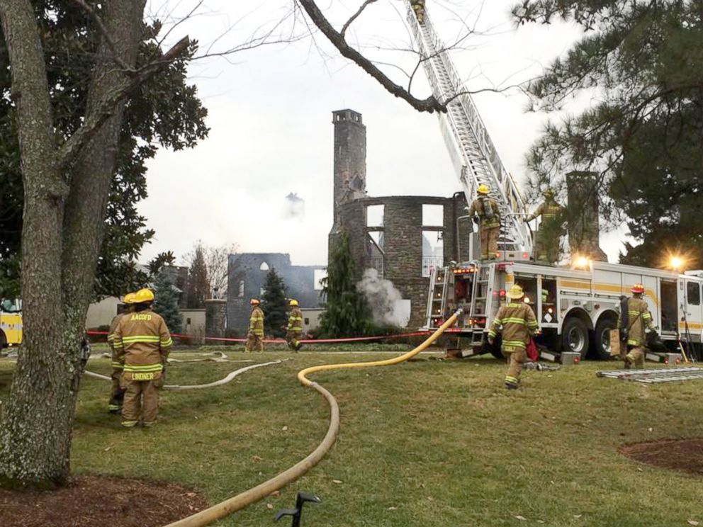 PHOTO: Firefights work to put out a fire at a home on Childs Point Road, Jan. 19, 2015, in Annapolis, Md.