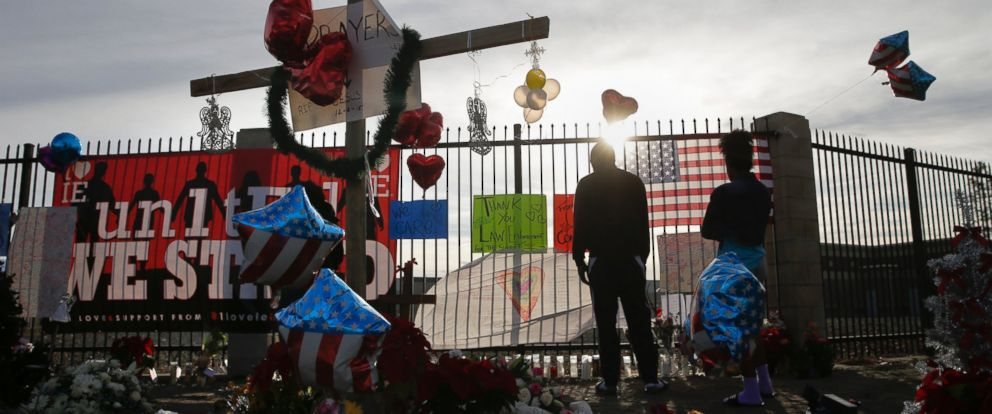PHOTO: Mourners visit a makeshift memorial in San Bernardino, Calif. on Dec. 6, 2015, honoring the victims of a terror attack by suspects Syed Rizwan Farook, 28, and his wife, Tashfeen Malik, 29.