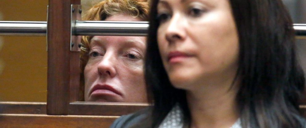 PHOTO: Tonya Couch, left, appears for her extradition hearing at the Los Angeles Superior Court, as one of her attorneys, Sonia Perez-Chaisson, is seen in the foreground, in Los Angeles, Jan. 5, 2016.