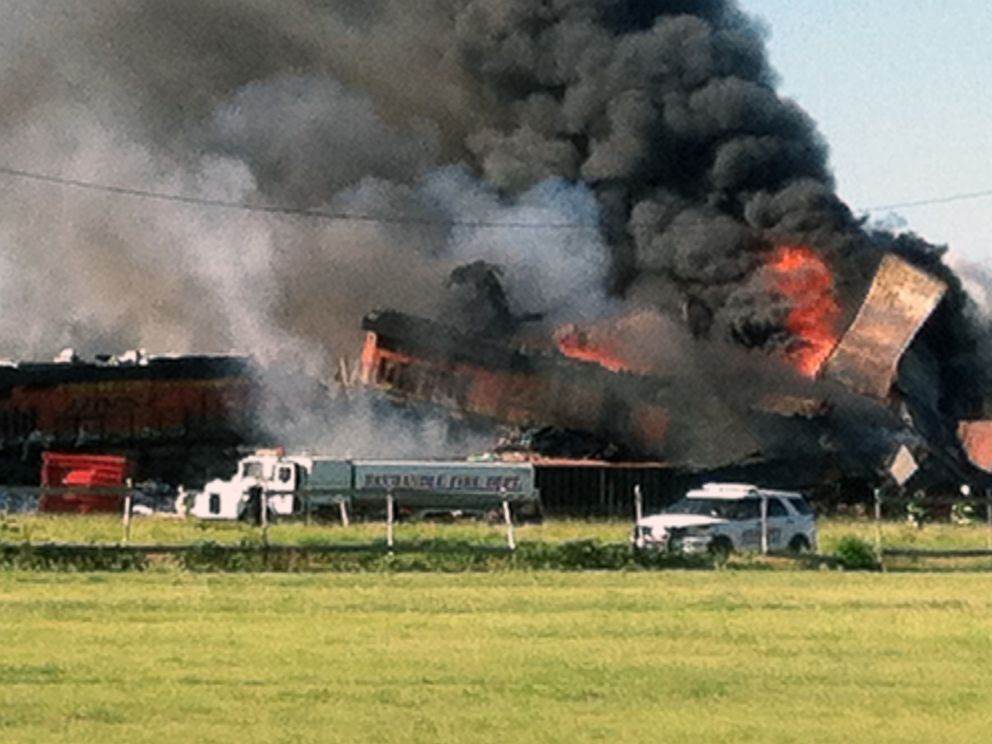 3 Crew Members Missing After Texas Freight Train Crash ...