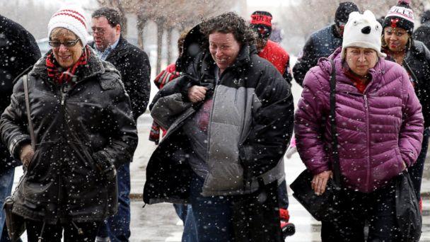 https://s.abcnews.com/images/US/ap_winter_weather_wy_150126_16x9_608.jpg