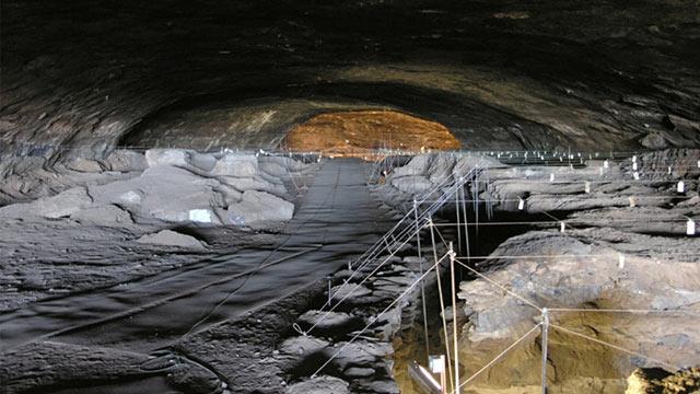 PHOTO: Wonderwerk cave