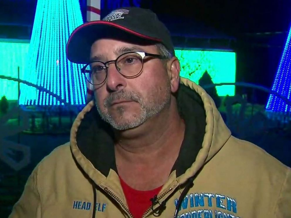 PHOTO: Thomas Apruzzi, of Old Bridge Township, N.J., says the town is trying to force him to pay $2,000 a night for security at his Christmas light display.