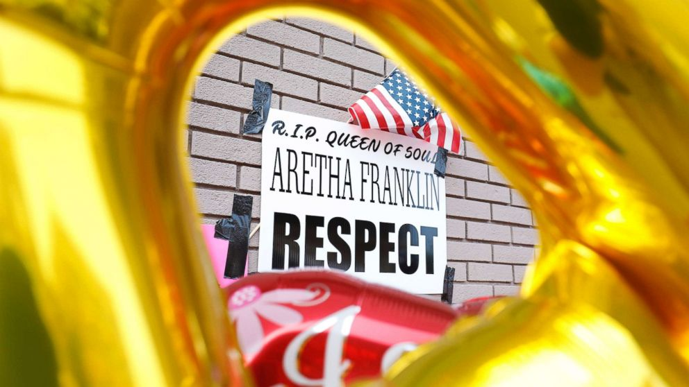An impromptu memorial for singer Aretha Franklin is shown outside New Bethel Baptist Church, the church where Aretha Franklin's late father Rev. C.L. Franklin was a minister and where she began her singing career, August 19, 2018 in Detroit.