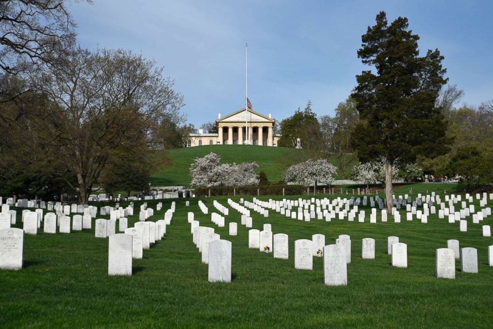 PHOTO: The graves of U.S. veterans and their spouses fill Arlington National Cemetery in Arlington, Va.