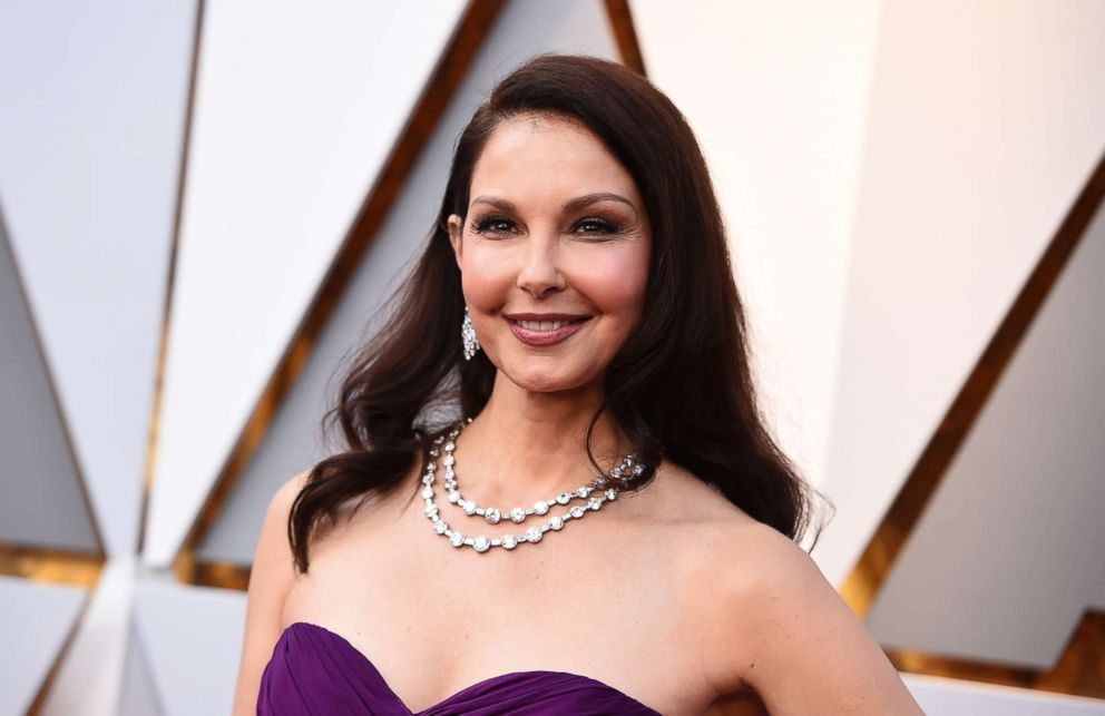 PHOTO: Ashley Judd arrives at the Oscars at the Dolby Theatre in Los Angeles, March 4, 2018.
