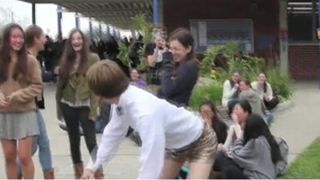 Teen Breaks Out Booty Shorts For Prom Proposal Video - Abc -6823