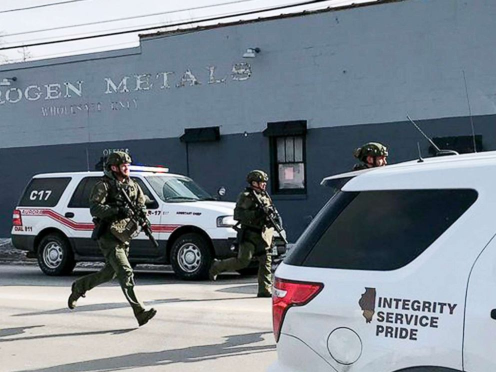 PHOTO: Police in Illinois respond to calls of an active shooter in Aurora.