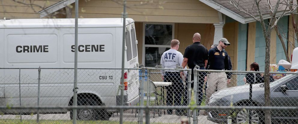 PHOTO: Law enforcement officials continue their investigation at the home of Mark Anthony Conditt, March 22, 2018, in Pflugerville, Texas.