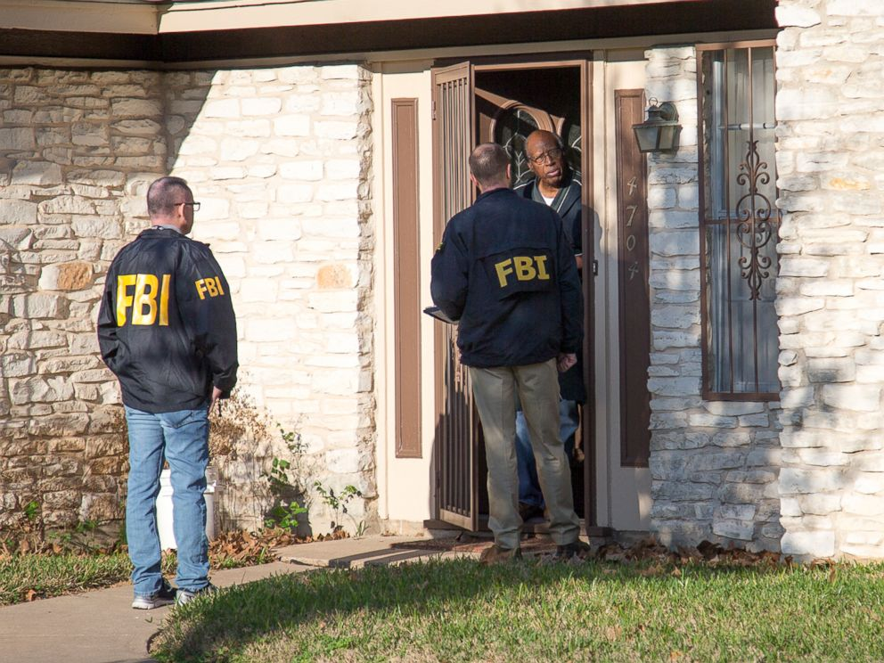 PHOTO: The FBi asks questions at the scene in East Austin, Texas, after a teenager was killed and a woman injured in the second Austin package explosion in the past two weeks, March 12, 2018.