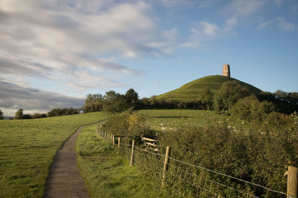 PHOTO: The autumn sun shines onto Glastonbury Tor near Glastonbury, Sept. 22, 2017, in Somerset, England on the Autumn Equinox.