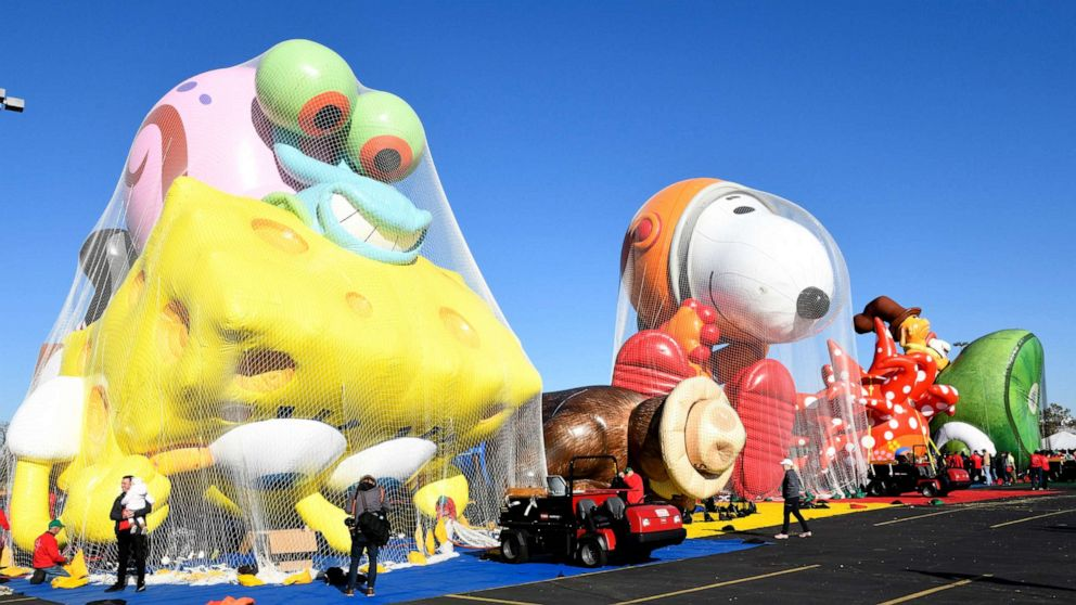 'Game day decision' whether character balloons at Thanksgiving Day parade will fly thumbnail