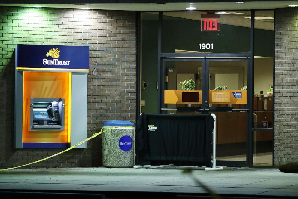 PHOTO: The SunTrust Bank branch is seen as law enforcement officials continue to investigate the scene, Jan. 24, 2019, in Sebring, Fla.
