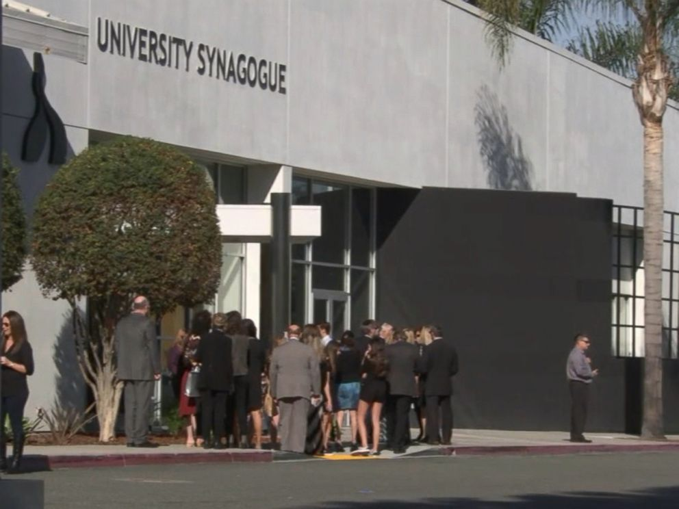 PHOTO: A memorial service for slain University of Pennsylvania student Blaze Bernstein was held at a synagogue in Irvine, Jan. 15, 2018.