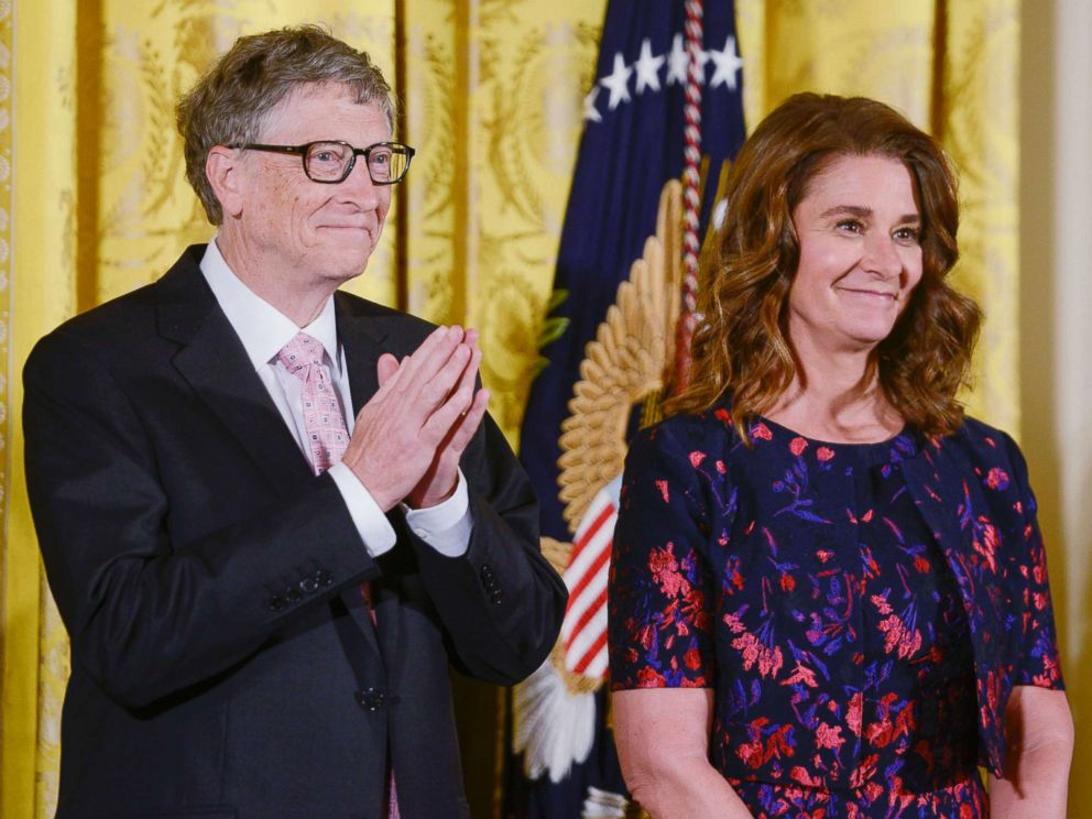 PHOTO: Bill and Melinda Gates are presented with the 2016 Presidential Medal Of Freedom by President Obama at White House, Nov. 22, 2016, in Washington.