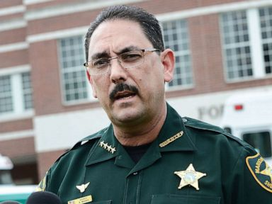 Florida sheriff forbids staff, visitors from wearing masks