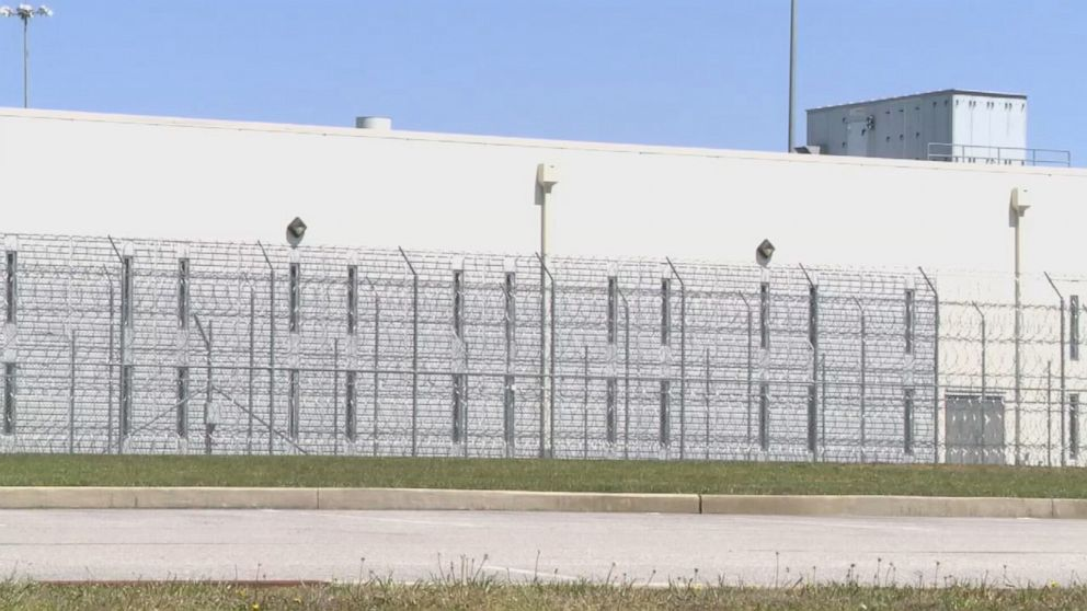 COVID-19 outbreak at prison came from staff: Medical director