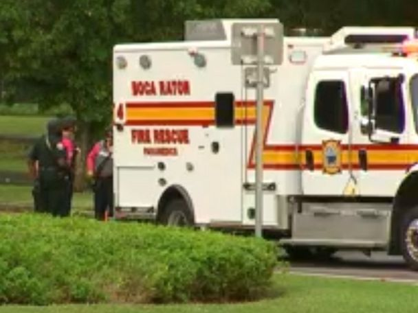 1 person injured after false panic over shooting at mall, police say