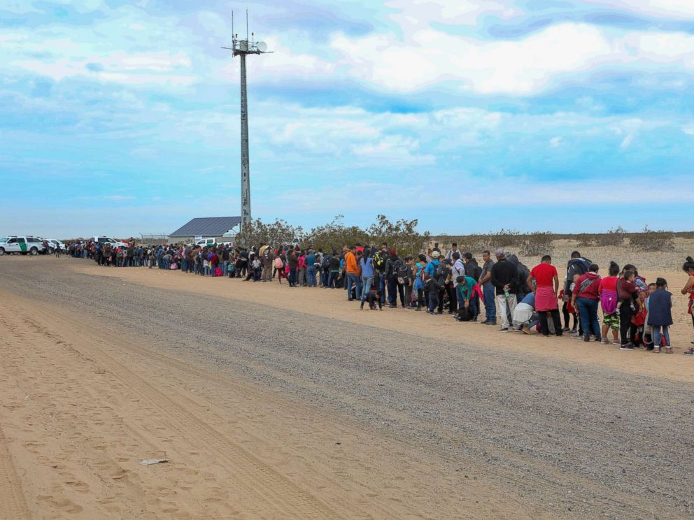 Largest Migrant Group to Enter Arizona Burrowed Under Border Fence, Say Feds