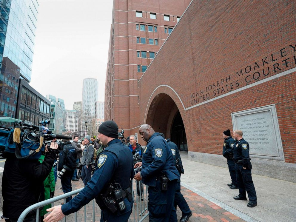 PHOTO: Police set up barricades at the John Joseph Moakley United States Courthouse during a hearing on the college admissions scandal on March 29, 2019, in Boston.