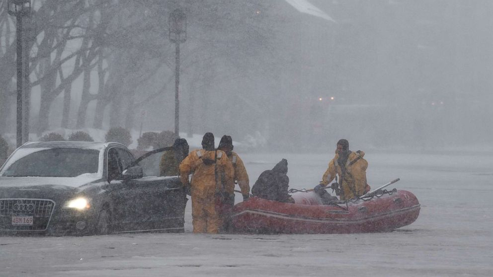 https://s.abcnews.com/images/US/boston-flood-rescue-epa-ps-180104_16x9_992.jpg