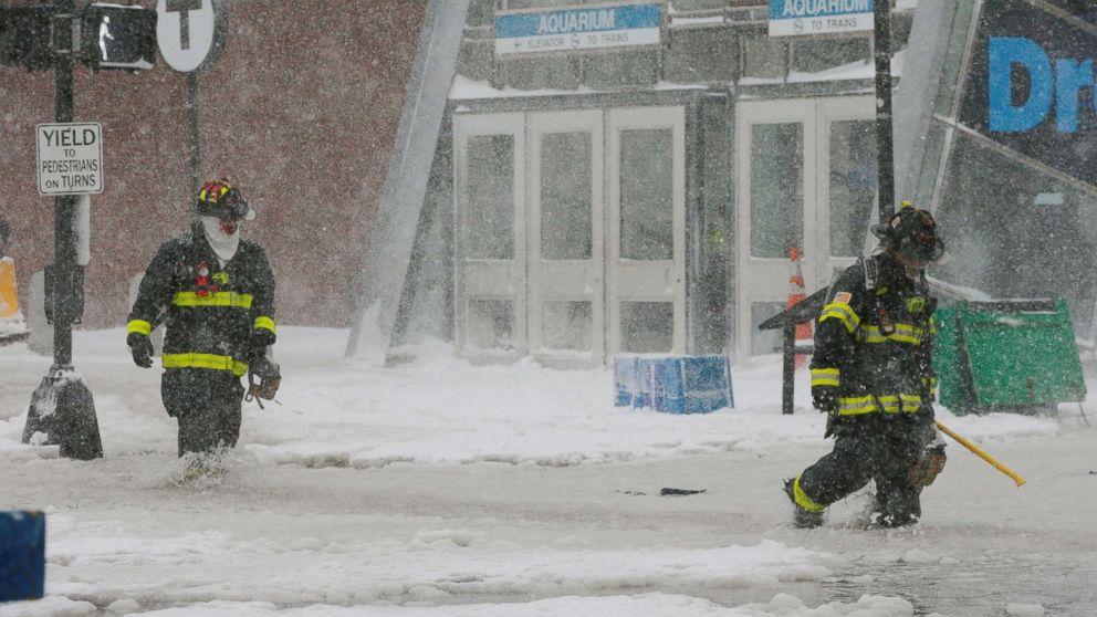 https://s.abcnews.com/images/US/boston-flood-winter-storm-rt-ps-180104_16x9_992.jpg