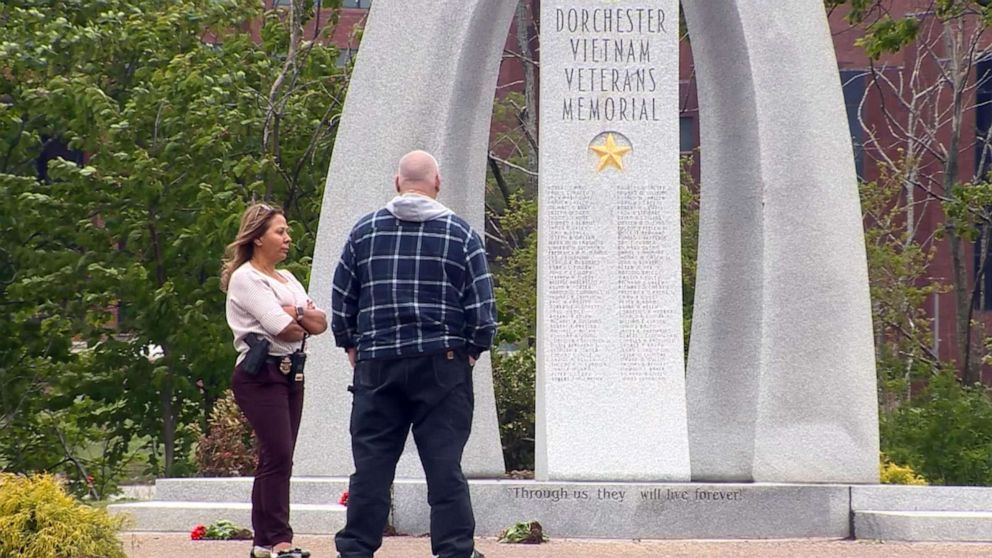 Defaced War Veterans Memorial Restored For Memorial Day Abc News