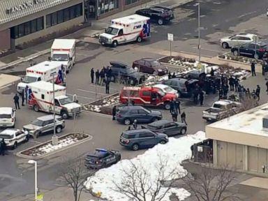 Penembakan batu: 10 kematian, termasuk petugas polisi, tersangka dalam tahanan thumbnail