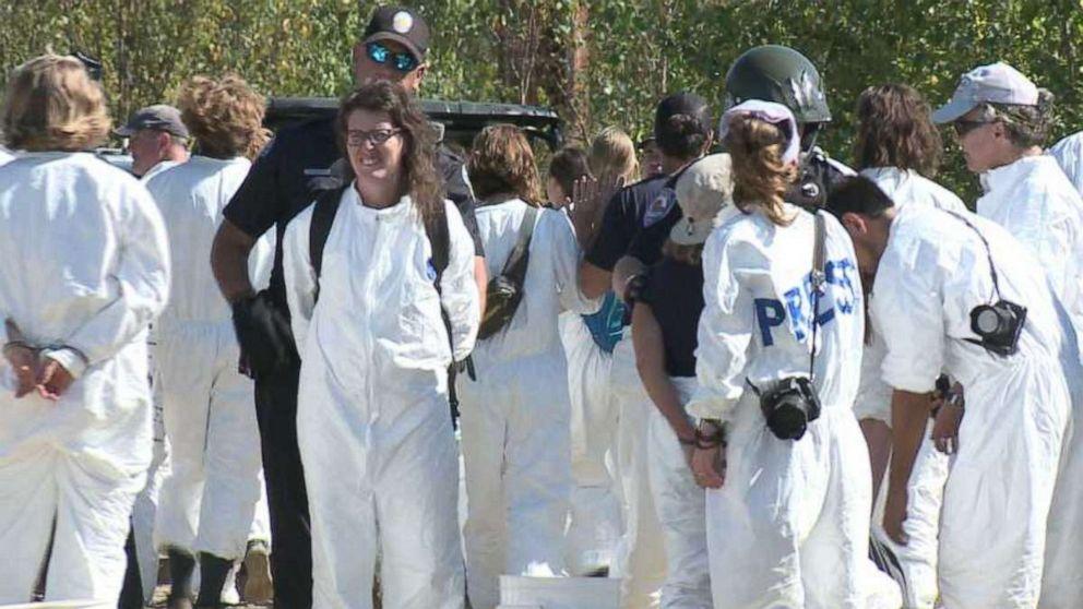 67 Demonstranten festgenommen-Vorführung im Kohle-Kraftwerk