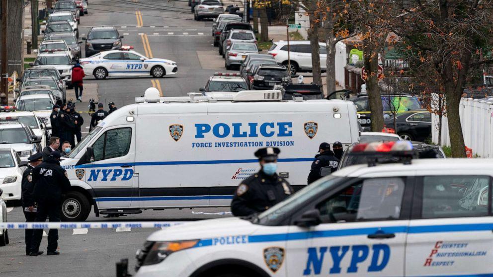 Multiple US marshals injured in Bronx shootout, 1 suspect killed