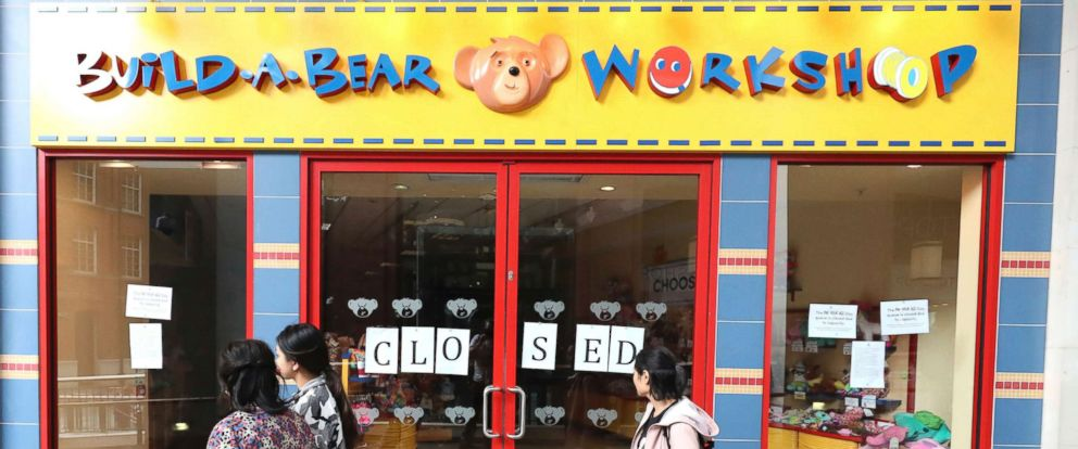 PHOTO: The Build-A-Bear store in Belfast where police were called to deal with crowds who turned up for an over subscribed pay your age promotion and has since had to close, July 12, 2018.