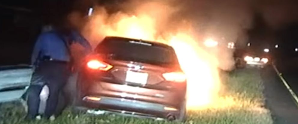PHOTO: New Jersey State Troopers Thomas OConnor and Christopher Warwick dragged an unconscious man from a burning car on the side of State Highway 42 in Camden County, Nov. 4, 2018.