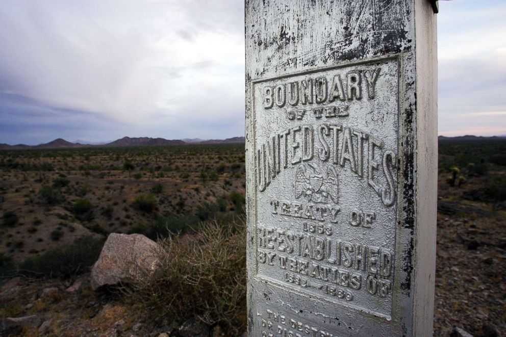 PHOTO: A monument marks the boundary between Mexico and the United States at the Cabeza Prieta National Wildlife Reserve on March 27, 2006 near Ajo, Arizona.